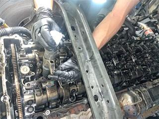 Демонтаж форсунок во время ремонта топливной системы