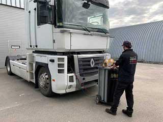 Заправка автокондиционера грузового автомобиля
